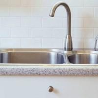 How to Clean Kitchen Sink Right